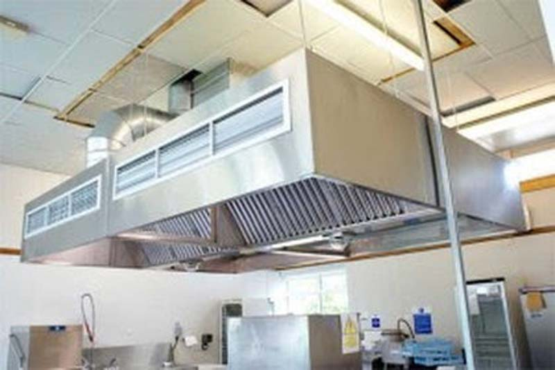 We are here to help you design the kitchen extraction system that fits both your budget and requirements giving you the perfect commercial kitchen. & Kitchen canopies : Metalwork.Design